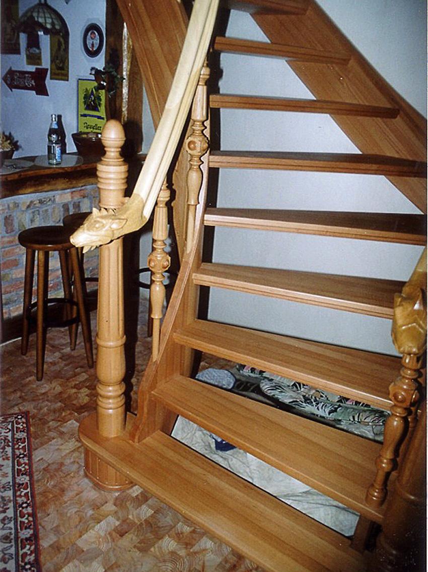 Treppengeländer mit Drachenkopf