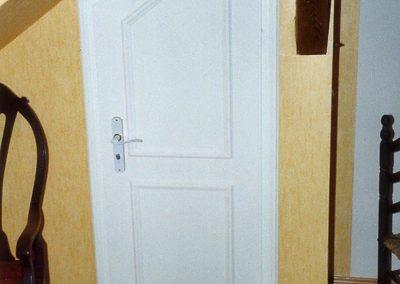Zimmertür unter Dachschräge